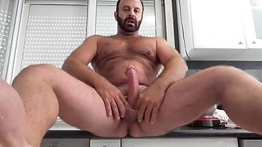 HAIRY MUSCLE SOLO BEARDED CUM