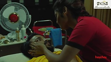 Saayoni Ghosh and Saurav Das Hot Talk & Massage in Charitraheen Web Series