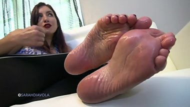 Awesome oily wrinkled feet JOI