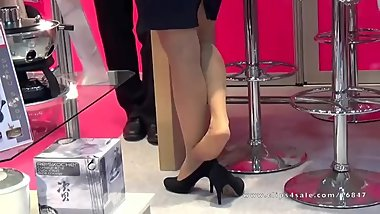 Unforgiving Candid Hostess' Nylon Shoeplay
