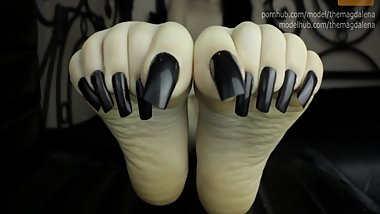 M - Naked Long Black Toe-nails