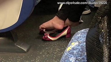 More Ladies Shoeplay..!!