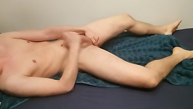 Young smooth twink morning wank after shower