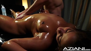 Sexy oil massage with Ziggy